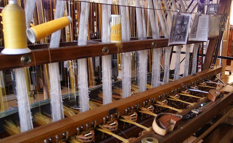 machine a tisser la soie