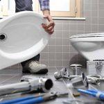 Faites ces 6 choses avant d'appeler un plombier