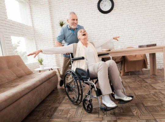 prendre soin d'une personne âgée a domicile